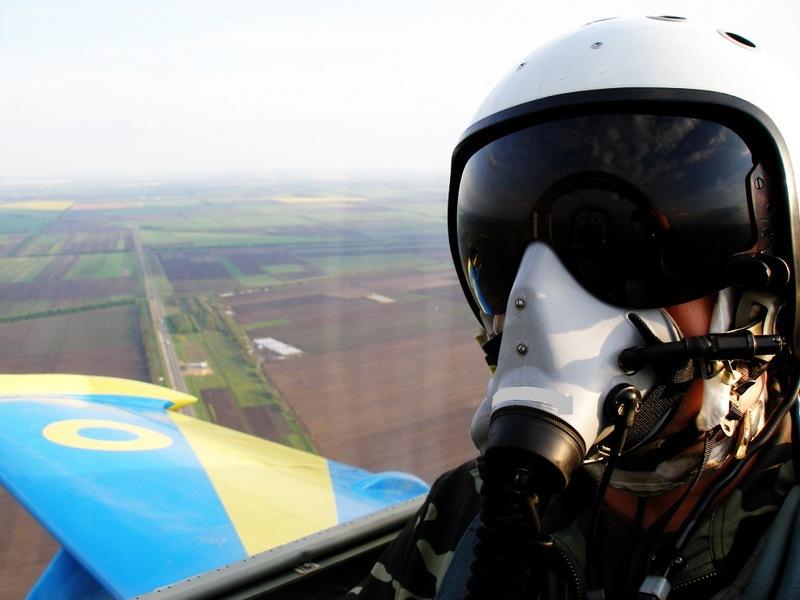 украинские военные летчики.jpg