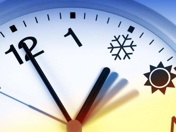 Украинцы в последний раз переводят часы на зимнее время