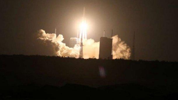В Китае запустили самую мощную ракету-носитель