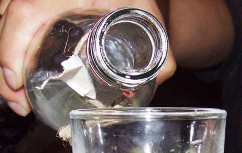 ВИзмаиле девятилетний ребенок отравился водкой