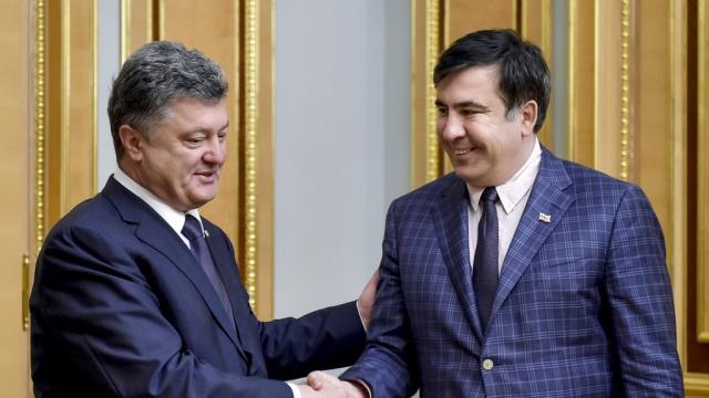 Песков объявил, что Кремль неинтересует лишение Саакашвили гражданства