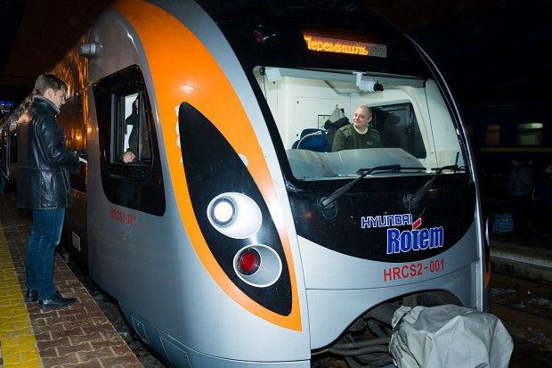 Гончаренко на открытии поезда Киев-Перемышль.