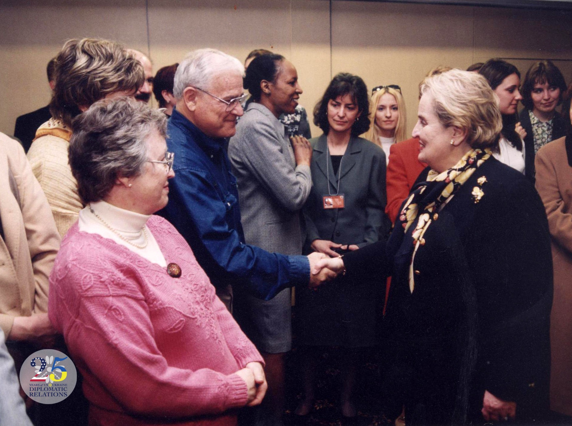 Государственный секретарь США Мадлен Олбрайт в Украине в 2003 году..