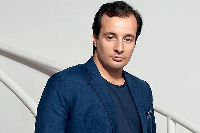 Мануэль Арно