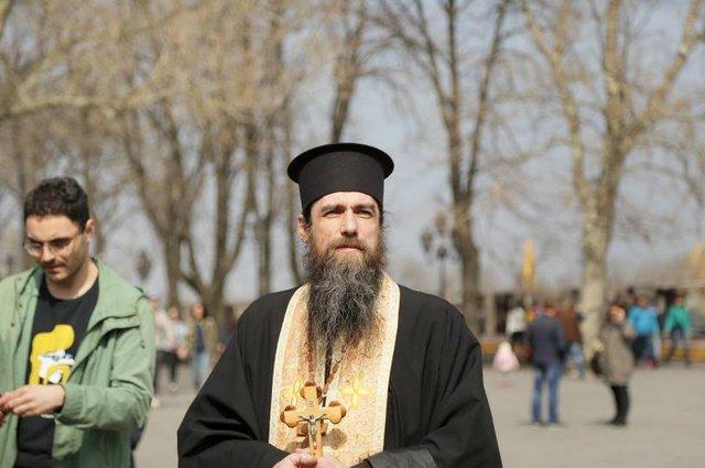 Одесса священник