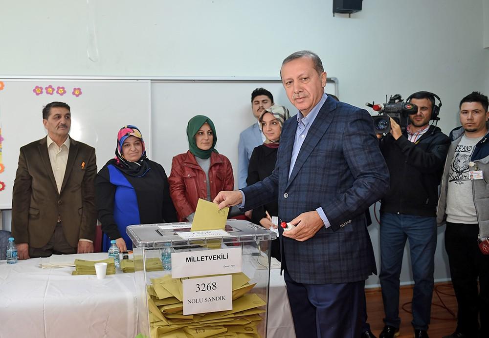 Большинство жителей Турции проголосовали нареферендуме зарасширение полномочий руководителя государства