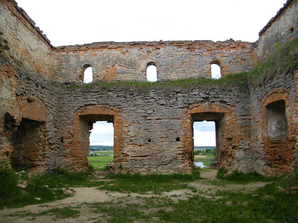 развалины дворца-