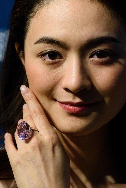 редкий розовый -бриллиант
