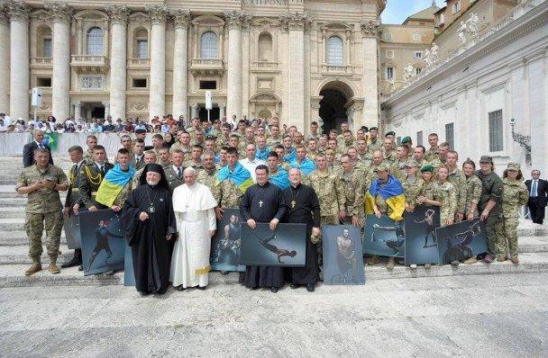 Папа и военные