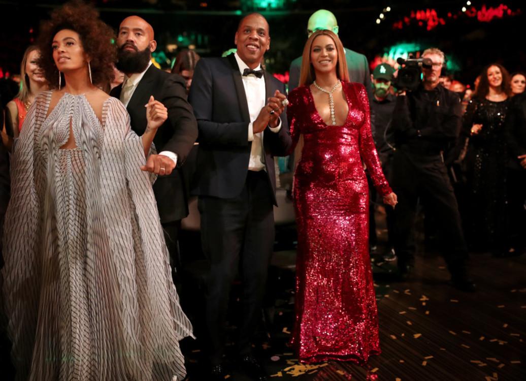 Бейонсе и Jay-Z на церемонии Грэмми 2017.