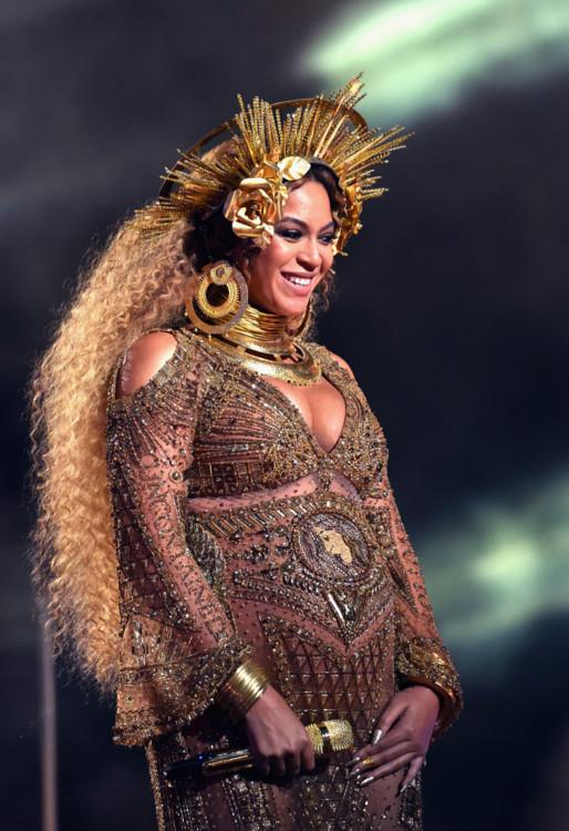 Бейонсе на церемонии Грэмми 2017.