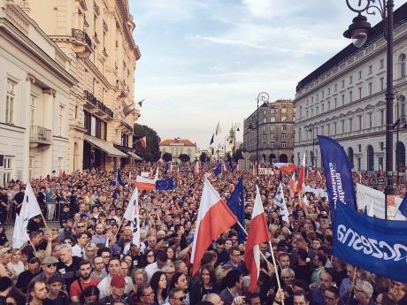 Польский лидер хочет наложить вето назаконопроекты оВерховном суде