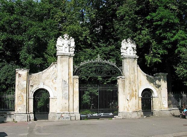 ворота к замку