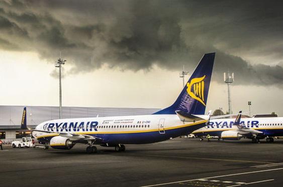 Ryanair ответил наинформационный июридический выпад авиакомпании Игоря Коломойского