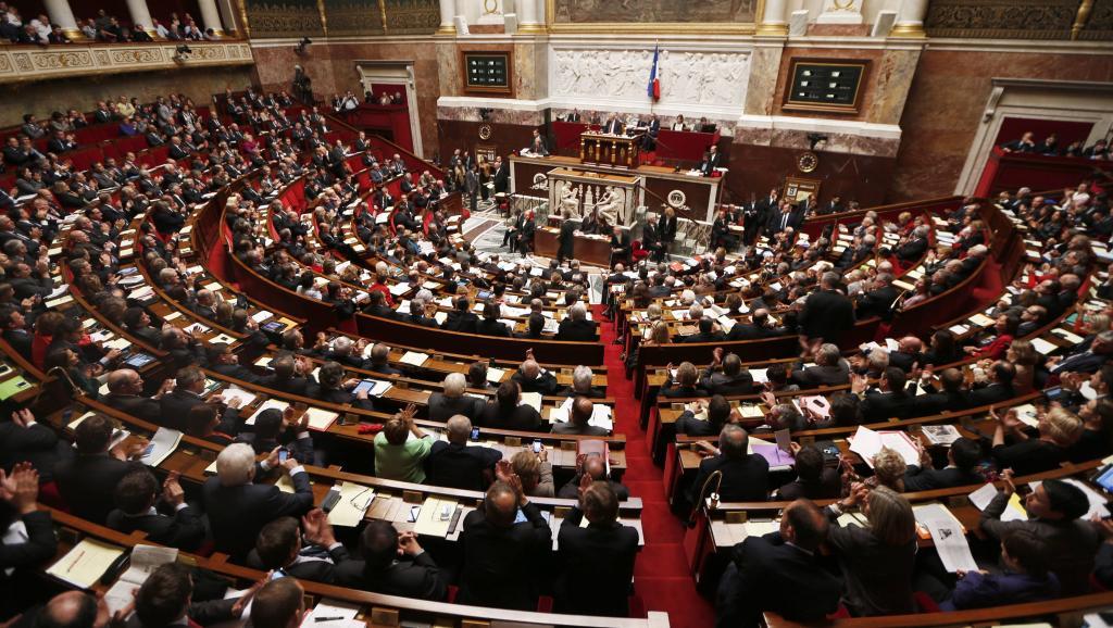 Французский сенат окончательно одобрил закон оборьбе стерроризмом