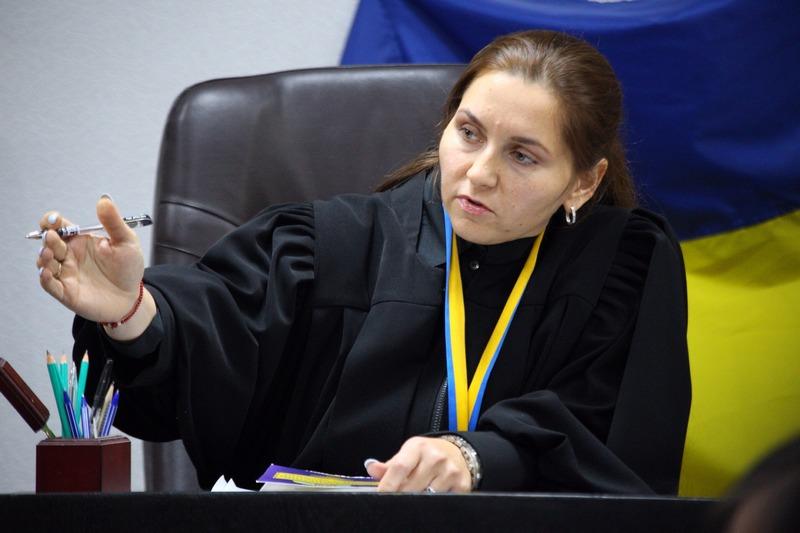 СБУ проинформировала о сомнении судье, переоформлявшей набоевиков «ДНР» недвижимость наДонбассе