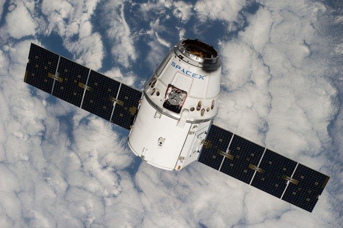 SpaceX 12декабря запустит вкосмос ракету Falcon 9 икорабль Dragon