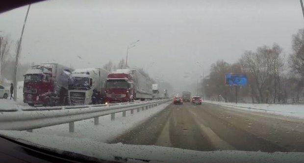 фуры снегопад