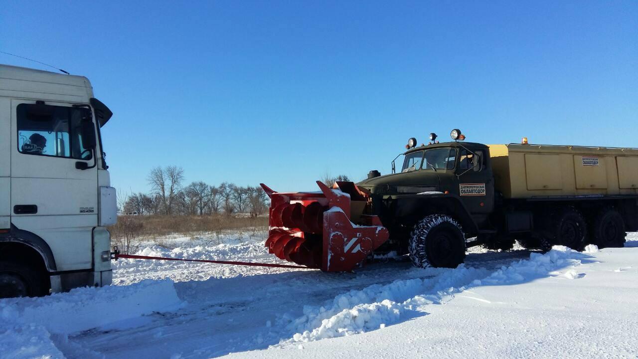 грузовик-снег