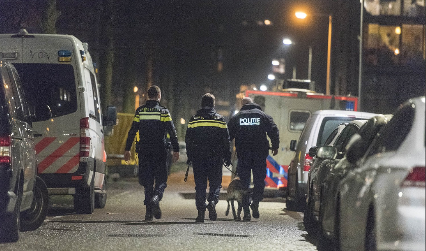 амстердам стрельба