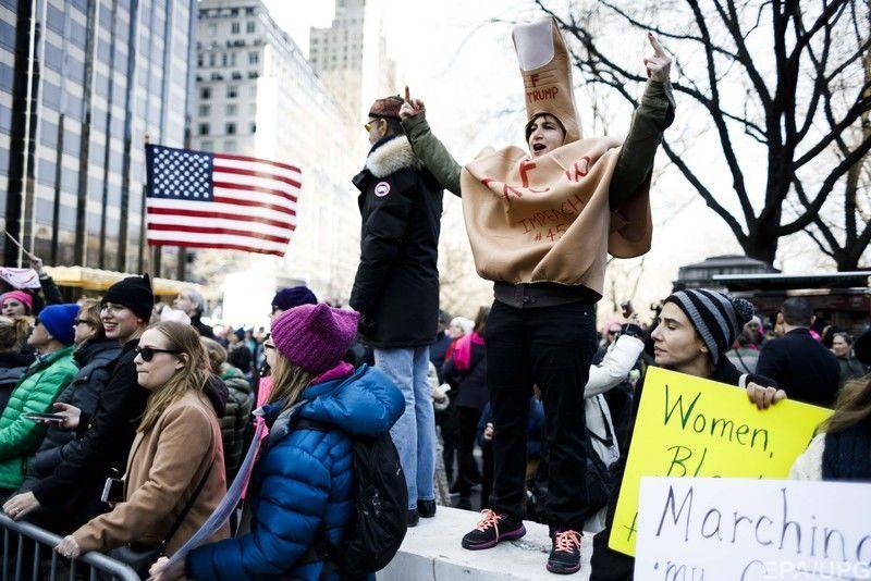 марш женщин.