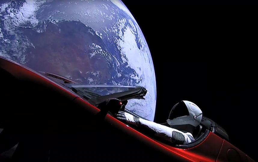 Tesla Roadster на орбите