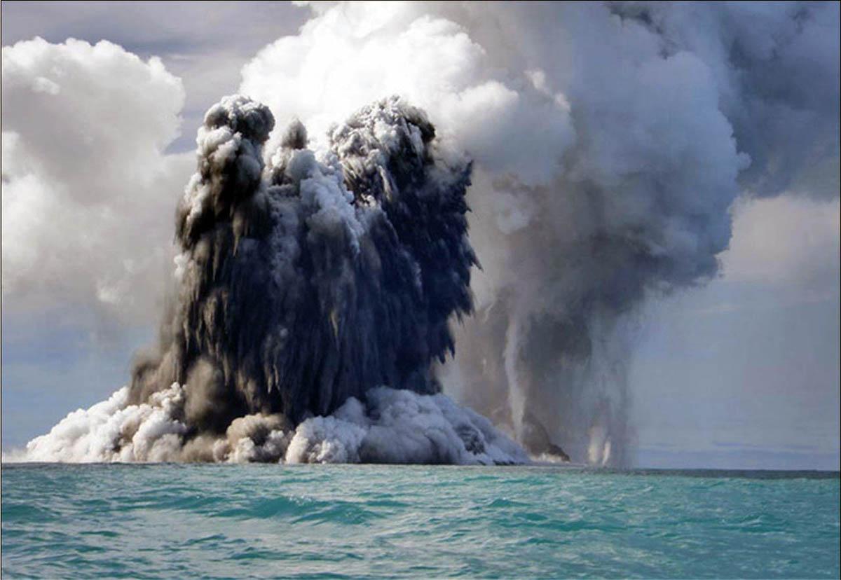 Вулкан под водой