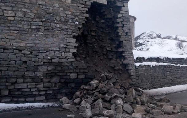 ВКаменце-Подольском обвалилась часть стены Старой крепости