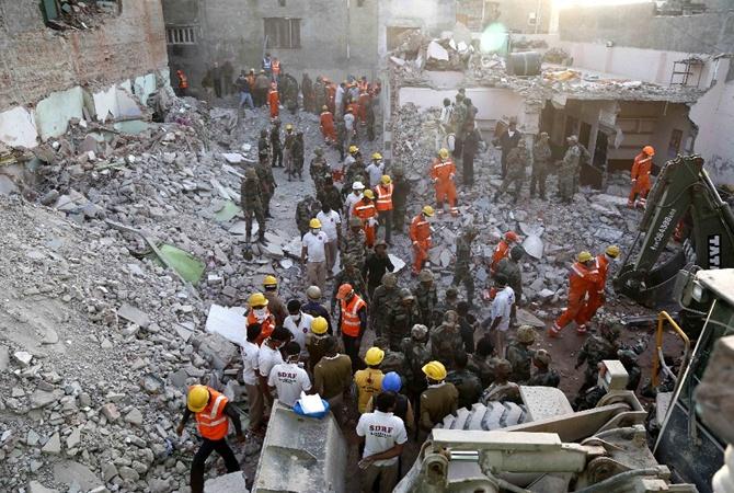 Практически 20 человек погибли при взрыве насвадьбе вИндии