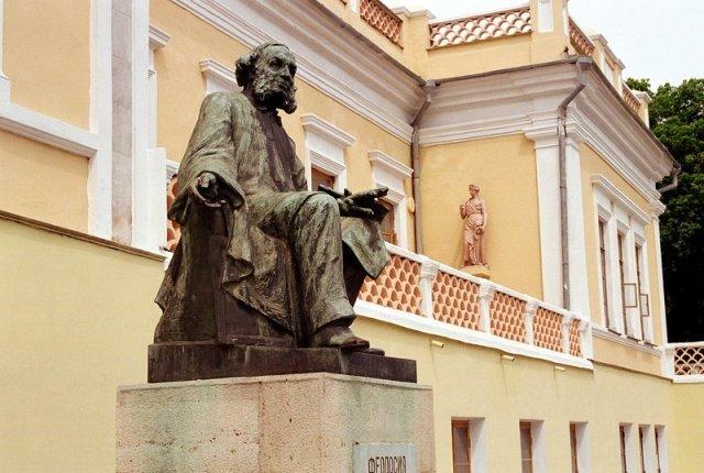 Минкульт хочет добиваться введения санкций против крымских музейщиков