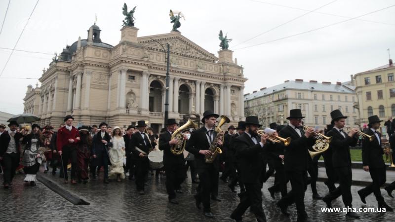 парад львов отель