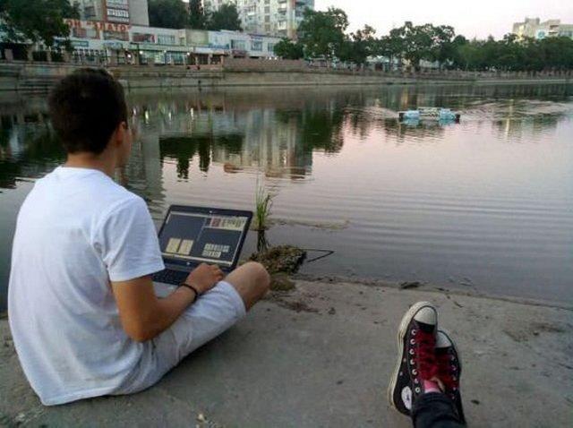 Украинец создал робота, чтобы чистить реки отмусора
