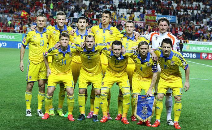 украинские футболисты.