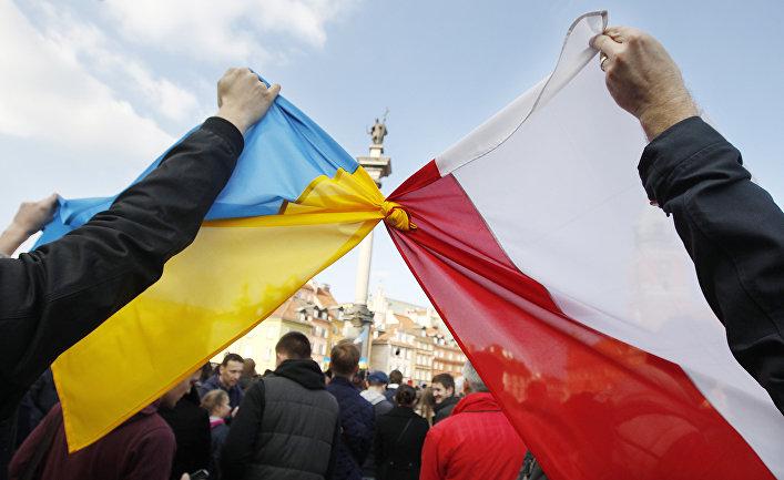 украинский и польский флаг