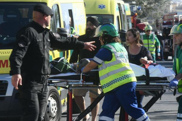 Два человека погибли в ДТП с участием туристического автобуса на Мальте