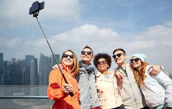 туристы селфи