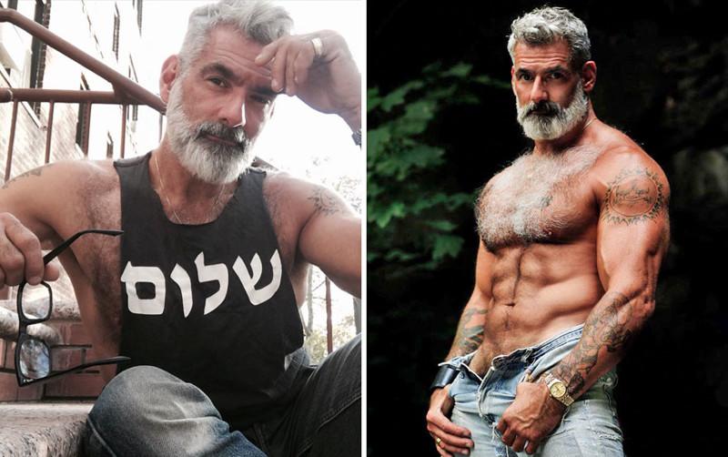 Энтони Варреччиа, 53