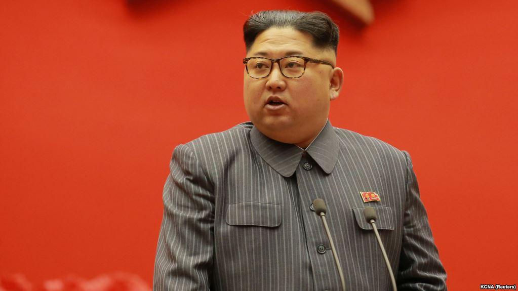 Китай направил врачей в КНДР для консультации Ким Чен Ына