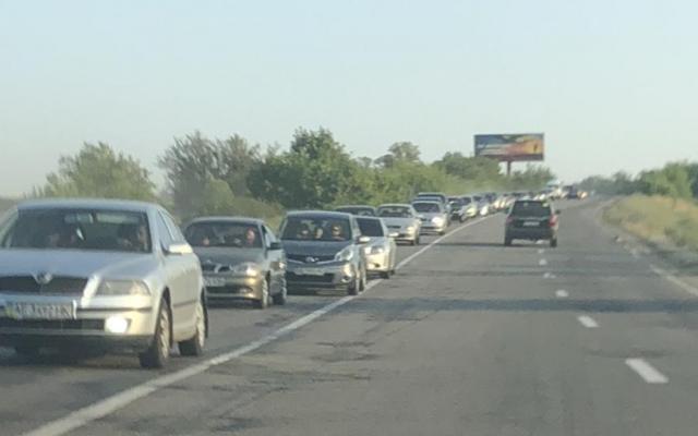 В Запорожье и Мелитополе возникли огромные пробки2