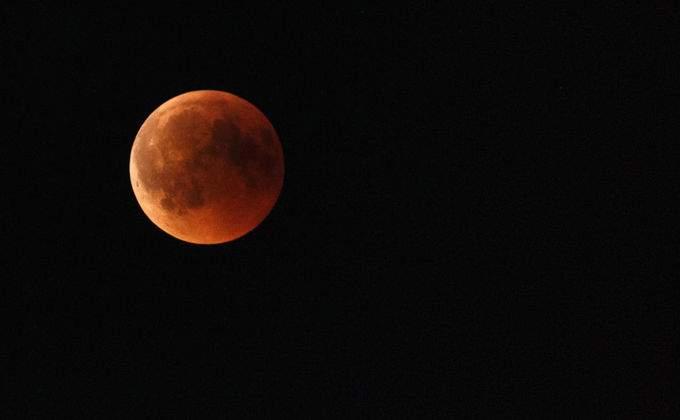 фото лунное затмение