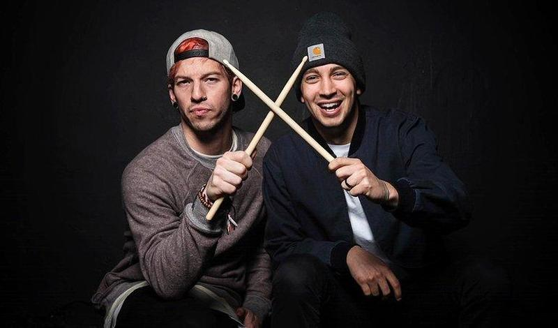 Twenty One Pilots выпустили два новых сингла и клип