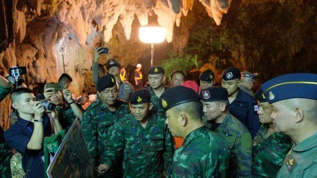 Затопленная пещера