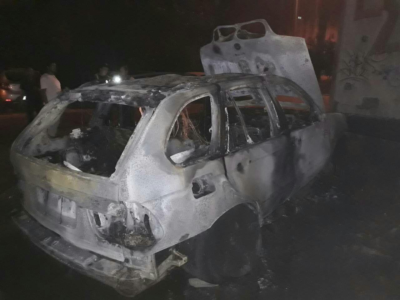 Ночью «коктейлем Молотова» сожгли джип наеврономерах— «ФАКТЫ»