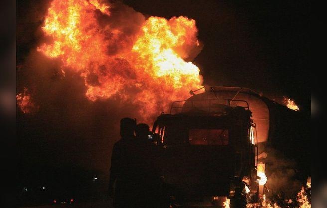 Взрыв бензовоза3
