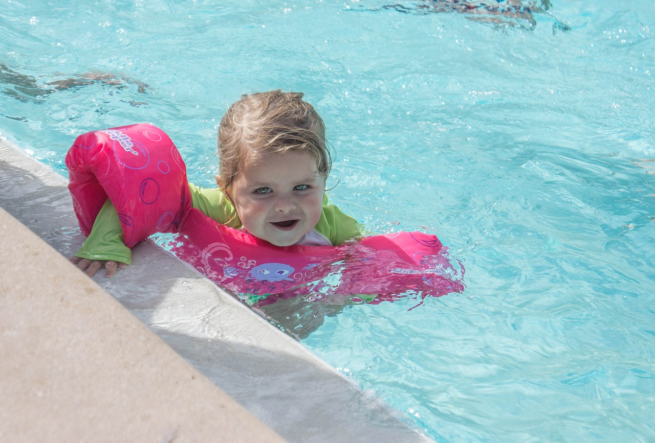 ребенок плаванье