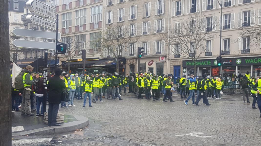 протест париж