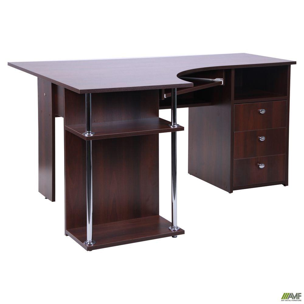 Скромный величественный стол
