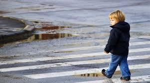 малыш на улице