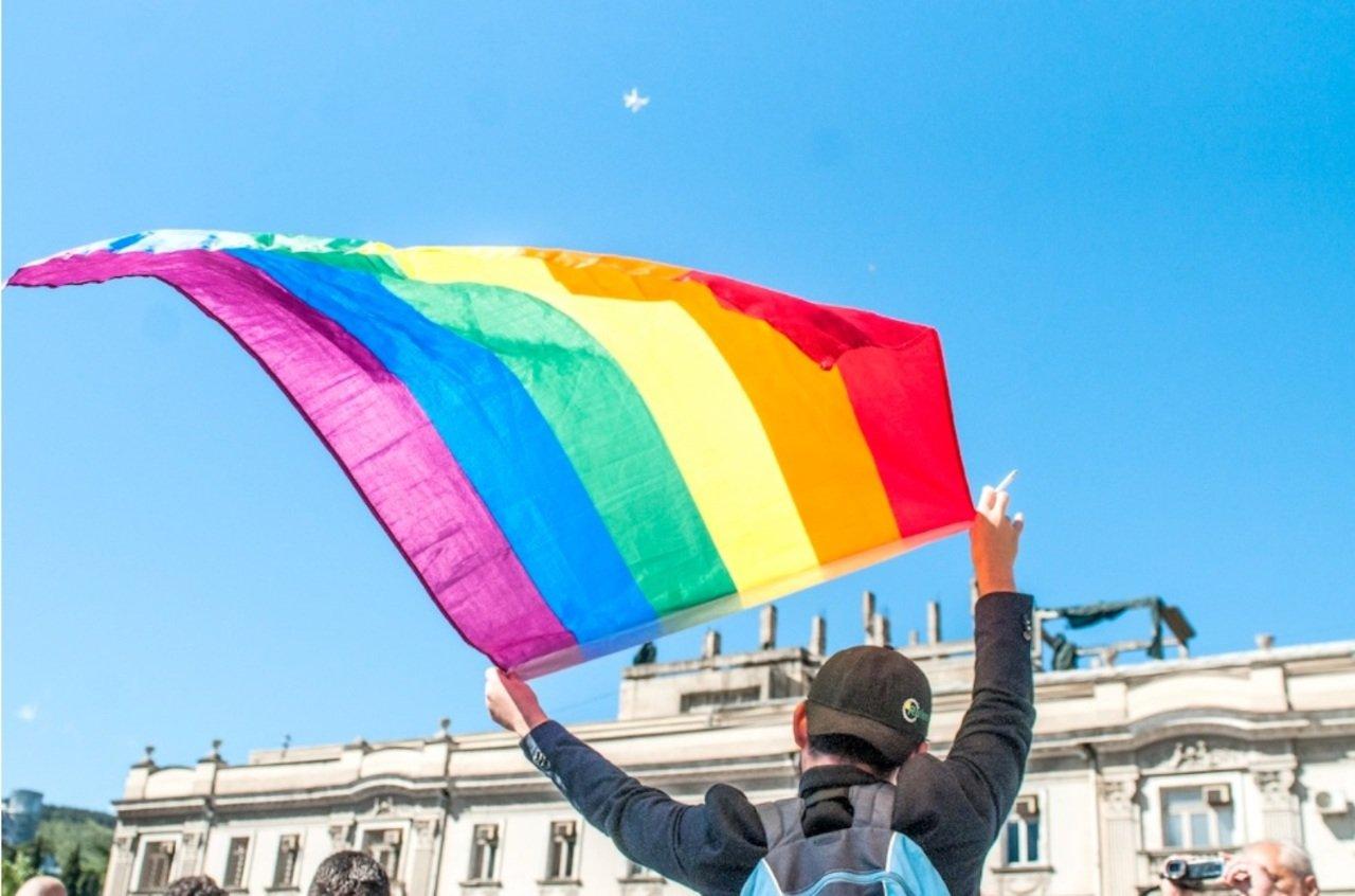 ЛГБТ.