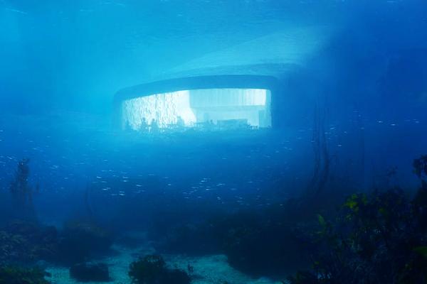ресторан в море